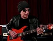 Joe Satriani kimdir?
